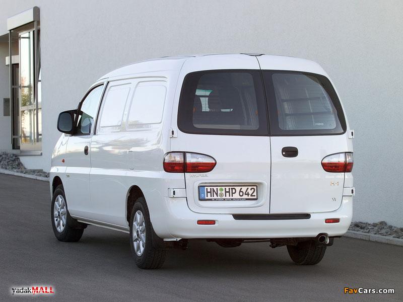 نمای عقب و کنار نسل اول هیوندای اچ وان Hyundai H-1 A1